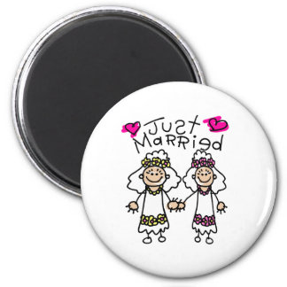 Just Married Lesbians 6 Cm Round Magnet