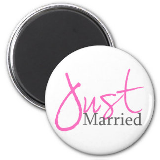 Just Married (Pink Script) Magnets