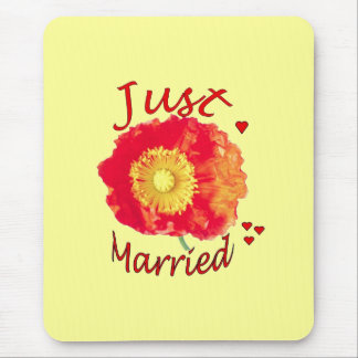 Just Married Poppy Mousepad