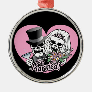 Just Married skulls Silver-Colored Round Decoration
