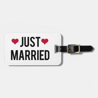 just married with two red hearts bag tag