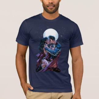 Justice League #12 Wonder Woman & Superman Kiss T-Shirt