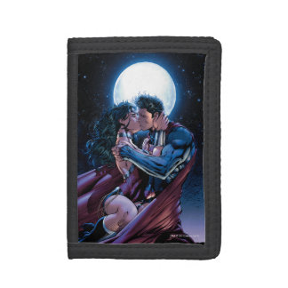 Justice League #12 Wonder Woman & Superman Kiss Trifold Wallet