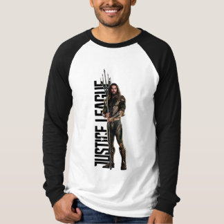 Justice League | Aquaman On Battlefield T-Shirt