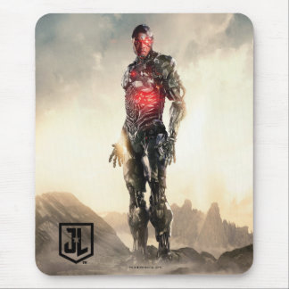 Justice League | Cyborg On Battlefield Mouse Pad