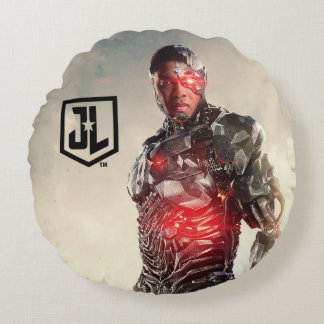 Justice League | Cyborg On Battlefield Round Cushion
