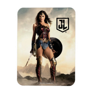 Justice League | Wonder Woman On Battlefield Magnet