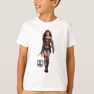 Justice League | Wonder Woman On Battlefield T-Shirt