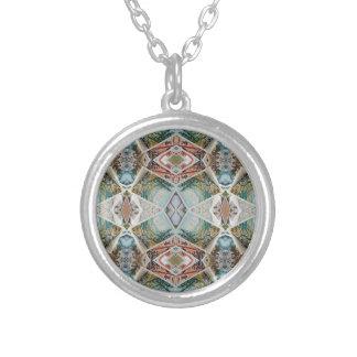 kaleidoscope pattern silver plated necklace