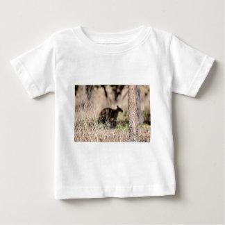 KANGAROO SILHOUETTE IN GRASS AUSTRALIA INFANT T-Shirt