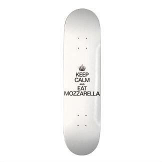 KEEP CALM AND EAT MOZZARELLA. 18.1 CM OLD SCHOOL SKATEBOARD DECK