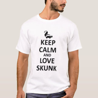 Keep calm and love skunk T-Shirt