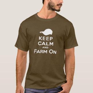 Keep Calm & Farm On - Men's T-Shirt (Dark)