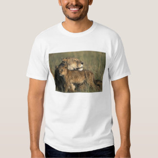 Kenya, Masai Mara Game Reserve, Lioness T-shirts