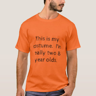 Kids sitting on each other's shoulders costume T-Shirt