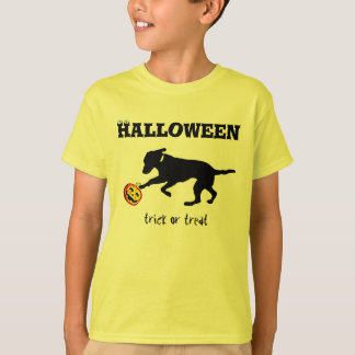 Kid's t-shirt Halloween trick or treat black lab