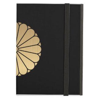 Kiku Chrysanthemum Mon brushed gold on black iPad Air Cover