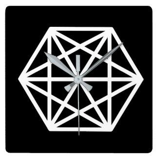 King (-) / Square Wall Clock