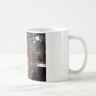 kingdom of ice queen basic white mug