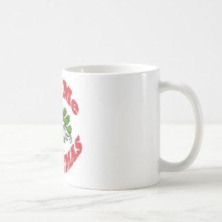 kiss me coffee mug