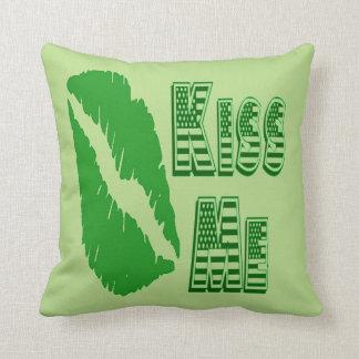 kiss me green lips throw pillow