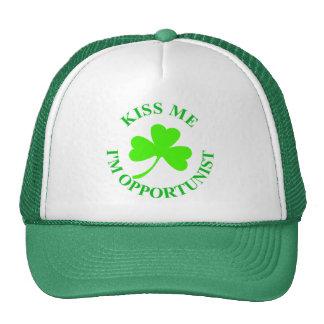 KISS ME IM OPPORTUNIST IRISHTSHIRT MUG CARD TRUCKER HAT