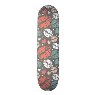 Kiss Print And Heart Pattern Skate Board