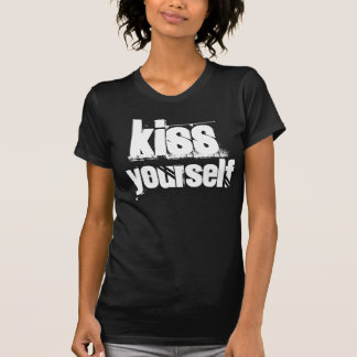 kISS  yourself T-Shirt