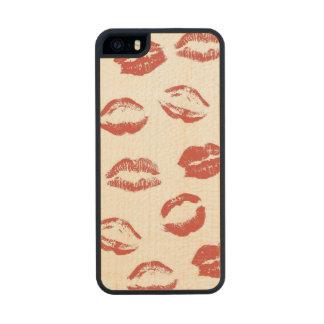 Kisses Wood iPhone SE/5/5s Case