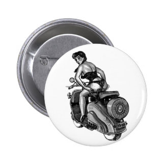 Kitsch Vintage Scooter Pin-Up Girl 6 Cm Round Badge