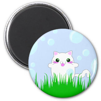 Kitten playing in bubbles 6 cm round magnet
