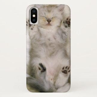 Kitten Sleeping on a White Fluffy Carpet, High iPhone X Case