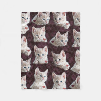 Kitty Cat Faces Pattern With Hearts Image Fleece Blanket