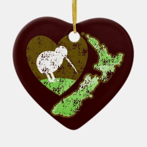 Kiwi bird new zealand with a love heart ceramic heart for Decoration kiwi