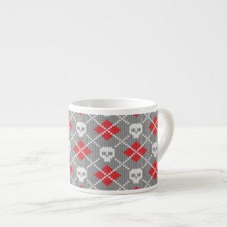 Knitted pattern with skulls espresso mug