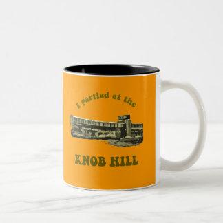 Knob Hill Mug- Avocado on Burnt Orange Two-Tone Mug