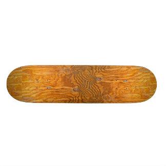 Knots on a plank skateboard