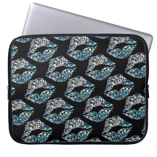 Koru kiss laptop sleeve