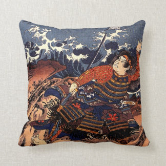 Kuniyoshi Tamomori tied to a huge anchor Cushion