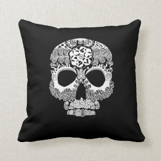 La Bella Muerte Dark Throw Pillow