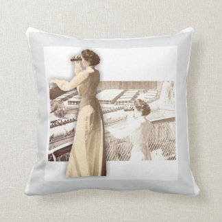 La Monde - The Louisiana Purchase Exposition Pillo Cushion