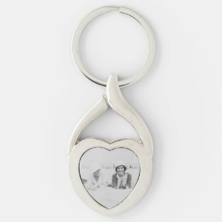 Ladies On Beach Old Image Metal Heart Keychain Silver-Colored Twisted Heart Key Ring