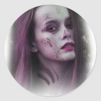 Lady Model Make Up Round Sticker