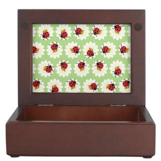 Ladybugs pattern keepsake box