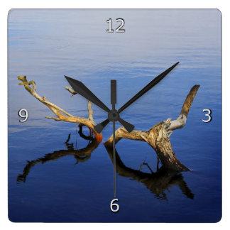 Lakes Edge Tranquillity Clock