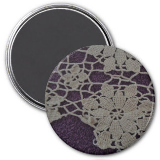 "Large 3"" round magnet with antique lace"