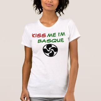lauburu,       ME I'M BASQUE, KISS T-Shirt