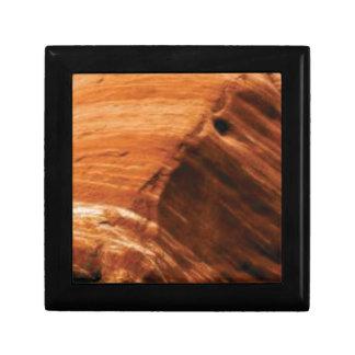 layered rock edge gift box