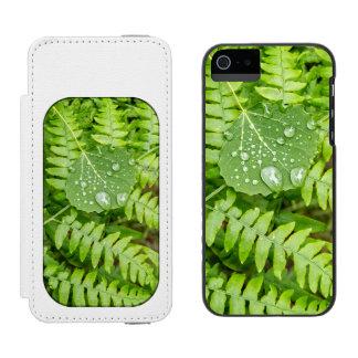 Leaf drops incipio watson™ iPhone 5 wallet case