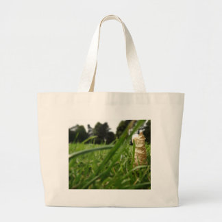 Leaf in grass canvas bags